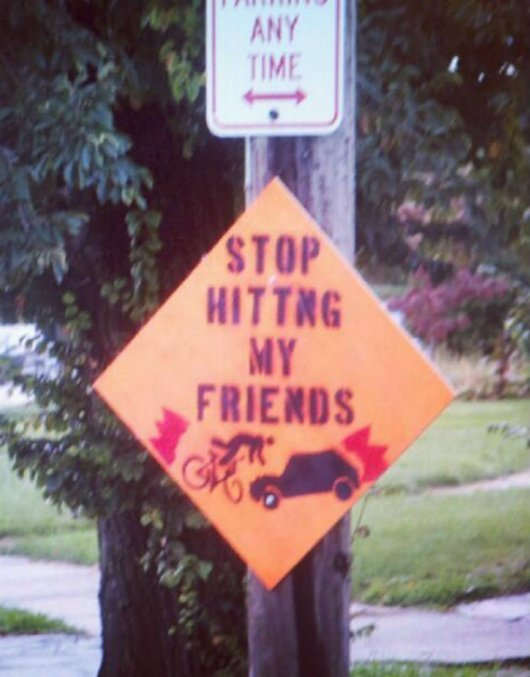 47cf5  funny photos signs improved by graffiti8 20 Public Signs Improved by Graffiti